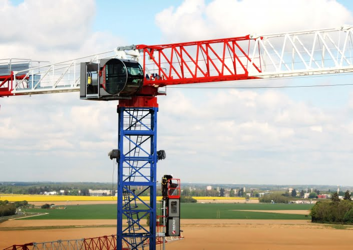 Raimondi MRT294 fitted with the Deluxe R16 crane cabin and elevator onsite