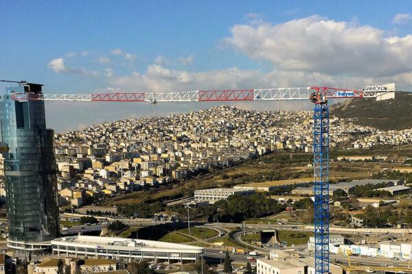 Raimondi MRT189 topless tower crane